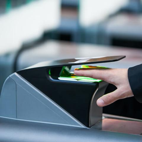 Terminal de Biometria 3D para Controle de Acesso Idemia MorphoWave Desktop