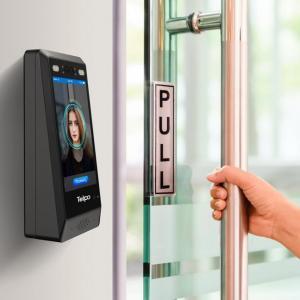 Controle de acesso para porta de vidro